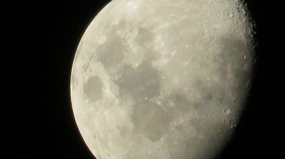 Luna di Mombasa, Kenia