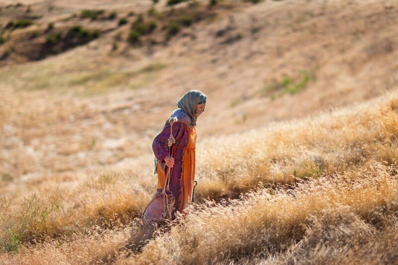 Tutte le donne che compaiono nel vangelo di Giovanni subiscono questa duplice trasformazione; non abbiamo donne guarite né donne perdonate, ma donne trasformate dalla fede.