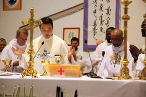 11-father-enkhe-reading-the-eucharistic-prayer